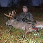 Ryan Culvey with trophy illinois whitetail