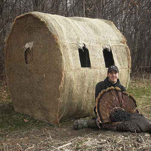 Hay Bale Deer Blind Plans http://nextbukoutdoors.com/shop/blind-ambitions-bale-blind/